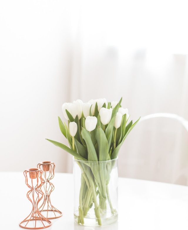 5-tips-keep-your-fresh-flowers-longer-3-640x960